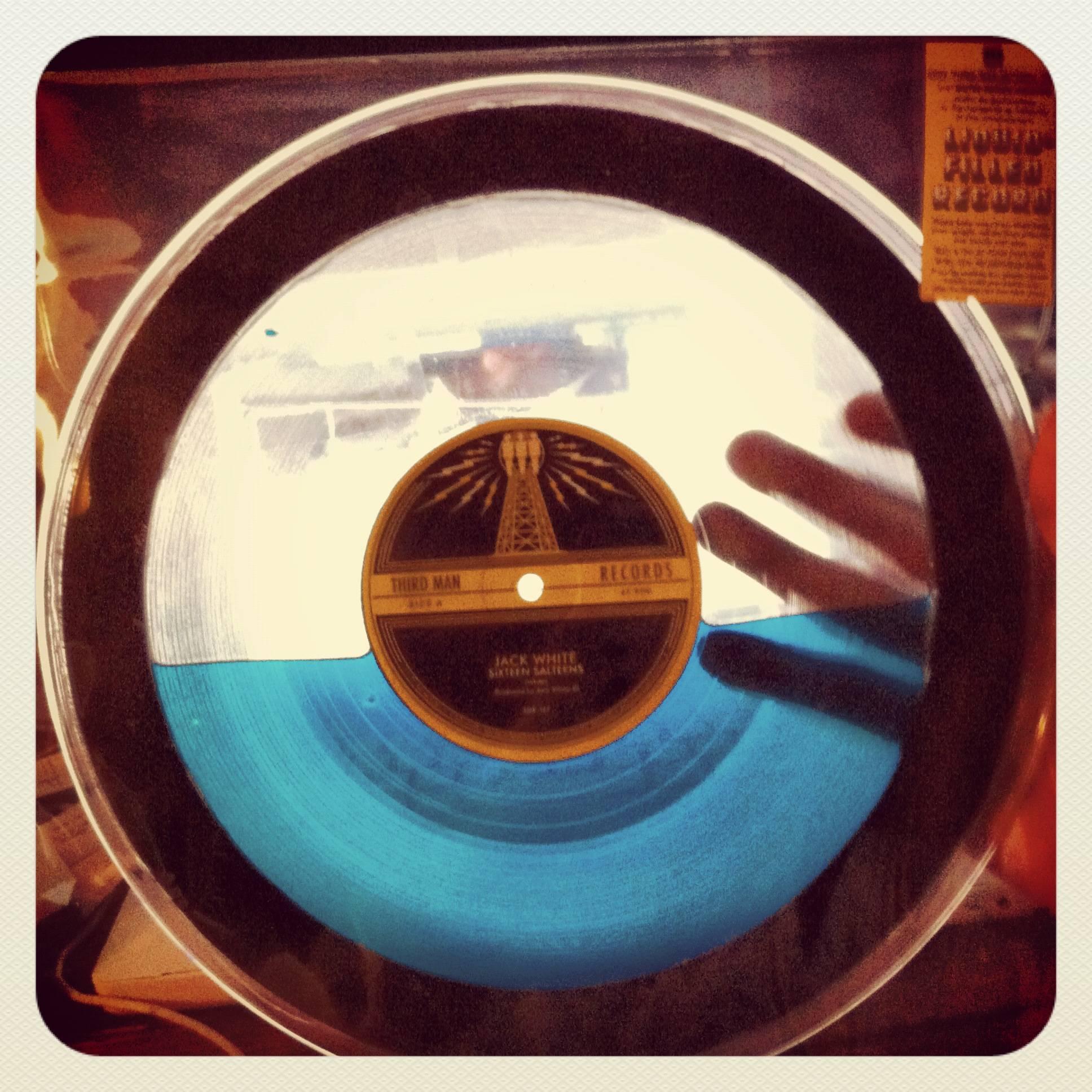 Sixteen Saltines, par Jack White chez Third Mand Records. Et en plus, le disque est excellent…