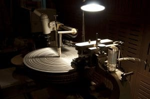 Machine cutting vinyle