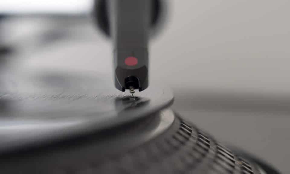 régler la force d'appui de la cellule de sa platine vinyle